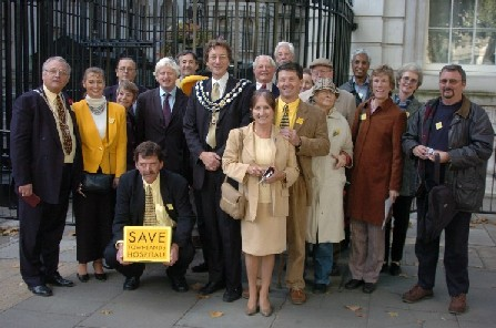 townlands petition outside Downing St.jpg